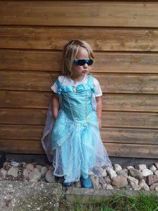 Matteo als Eiskönigin Elsa